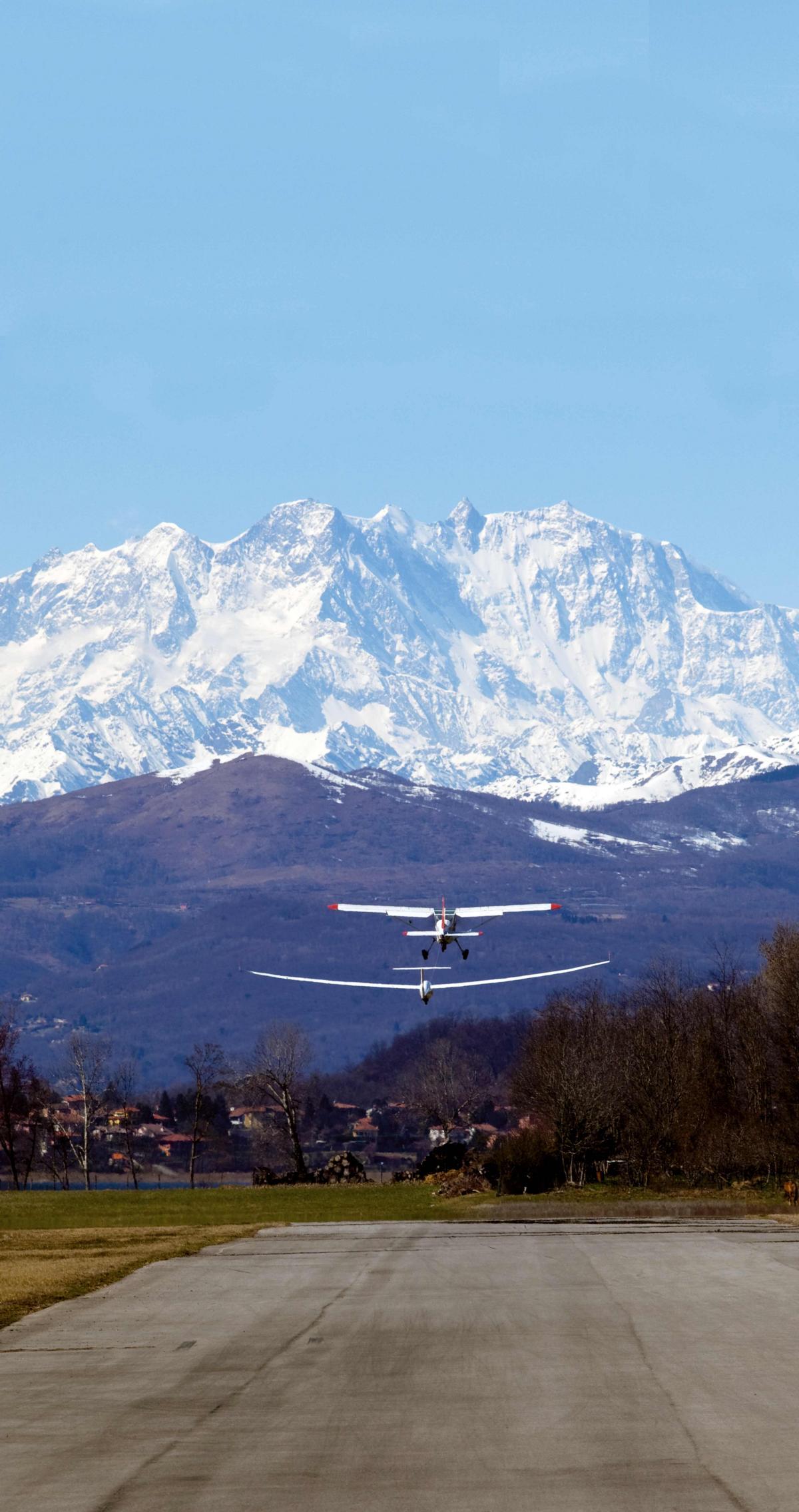 Abflug im Angesicht des Monte Rosa © CamCom Varese