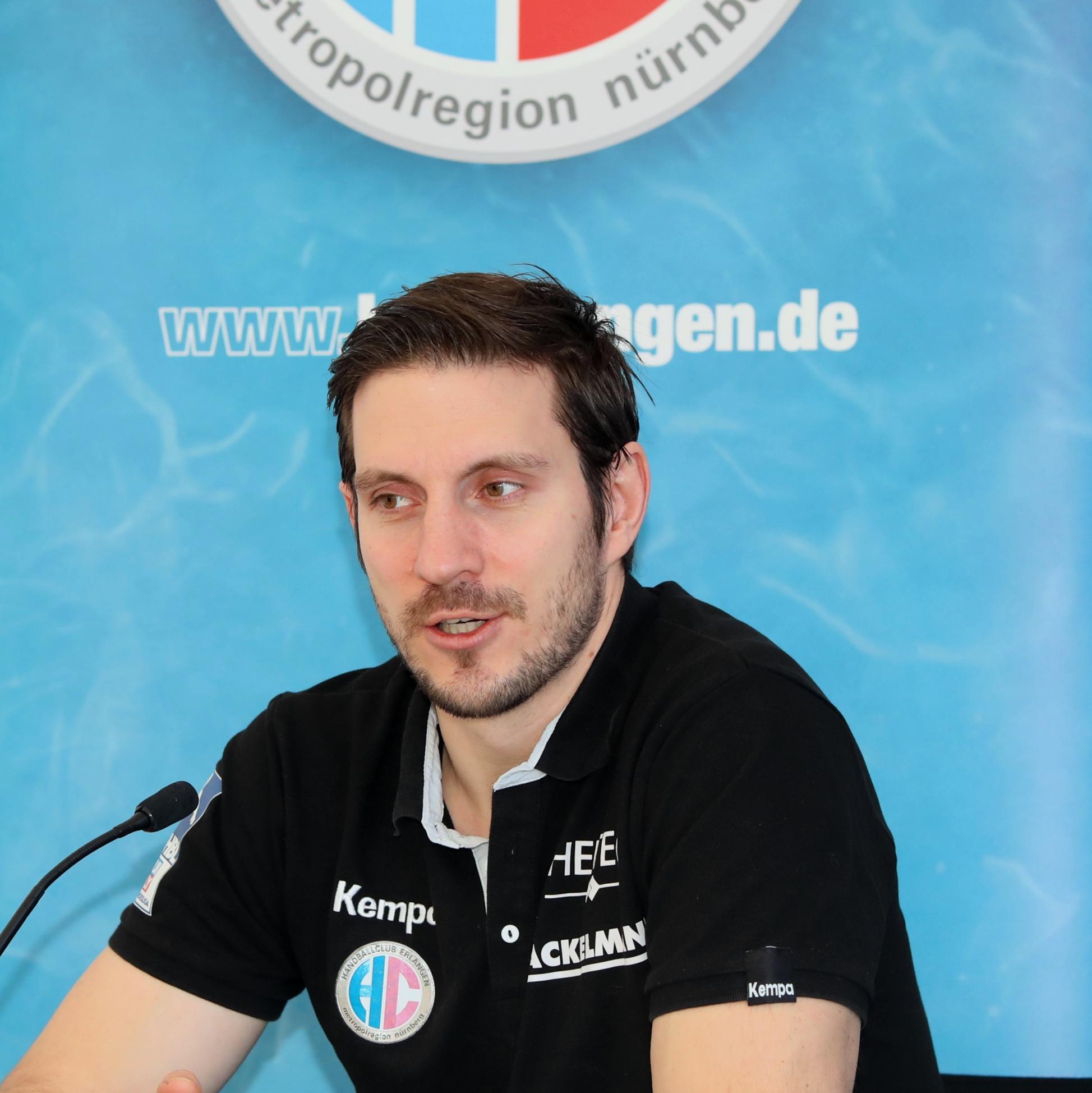 (#Jocki_Foto, Erlangen) - HC Erlangen-Trainer Michael Haaß warnt davor, Coburg zu unterschätzen