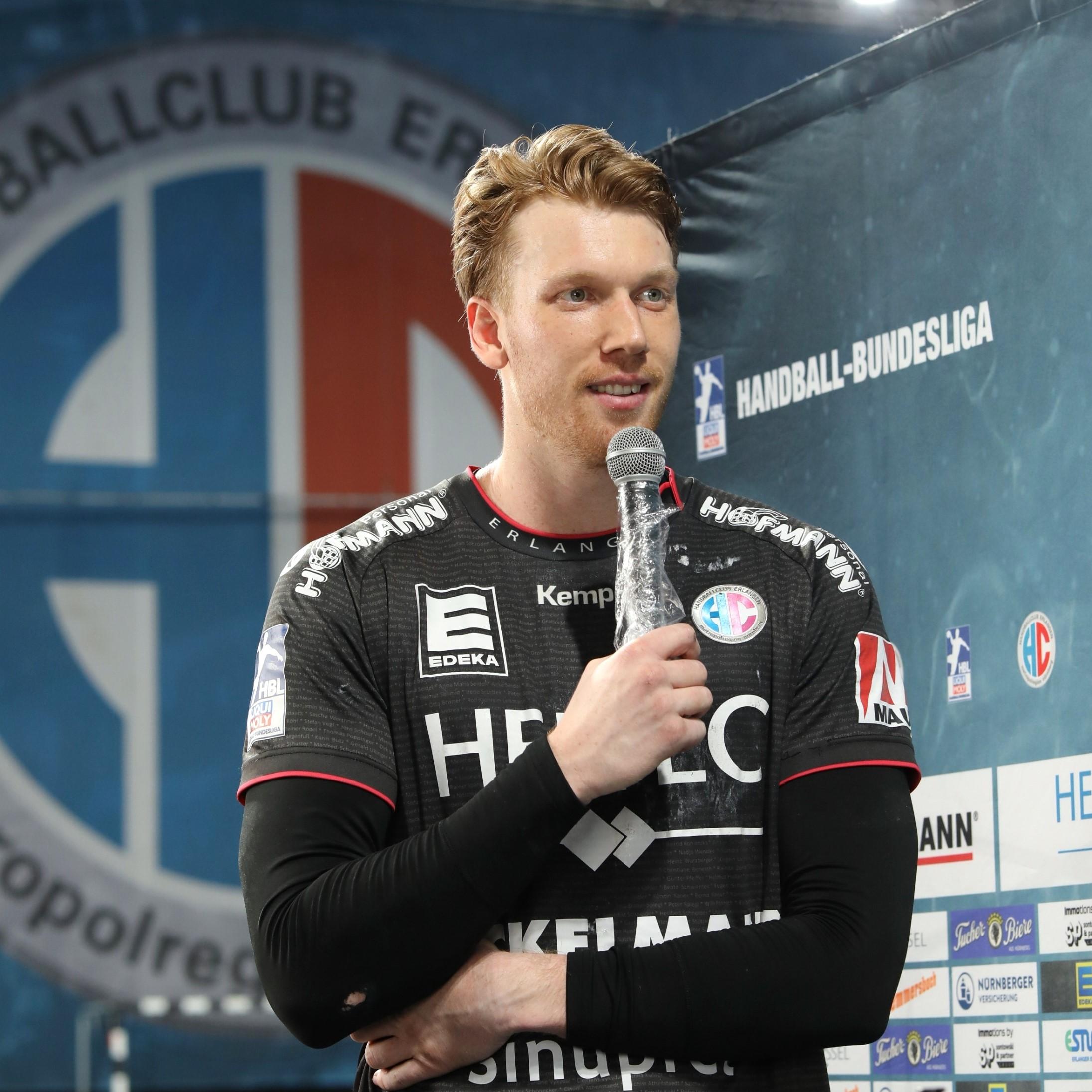 (#Jocki_Foto, Erlangen) - HC Erlangen's Simon Jeppsson war mit acht Treffern bester Torschütze