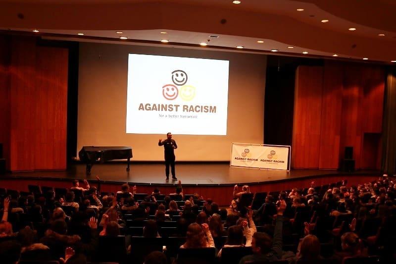 2schneidig@school: Martin Rietsch alias 2schneidig engagiert sich an Schulen gegen Rassismus