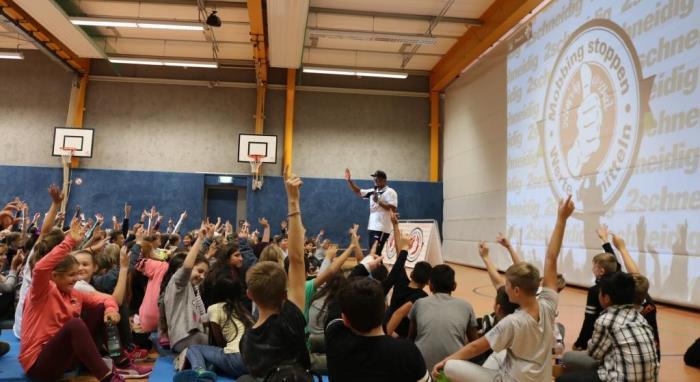 Schulprojekt mit Wertecoach und Anti-Mobbing-Trainer Martin Rietsch aks 2schneidig