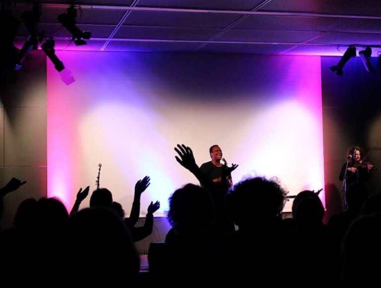 """Martin Rietsch aka """"2schneidig"""" live in Concert"""