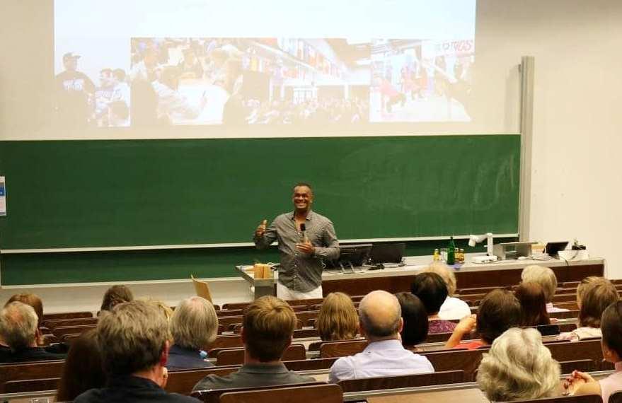 Martin Rietsch alias 2schneidig als Gastreferent an der Hochschule Koblenz