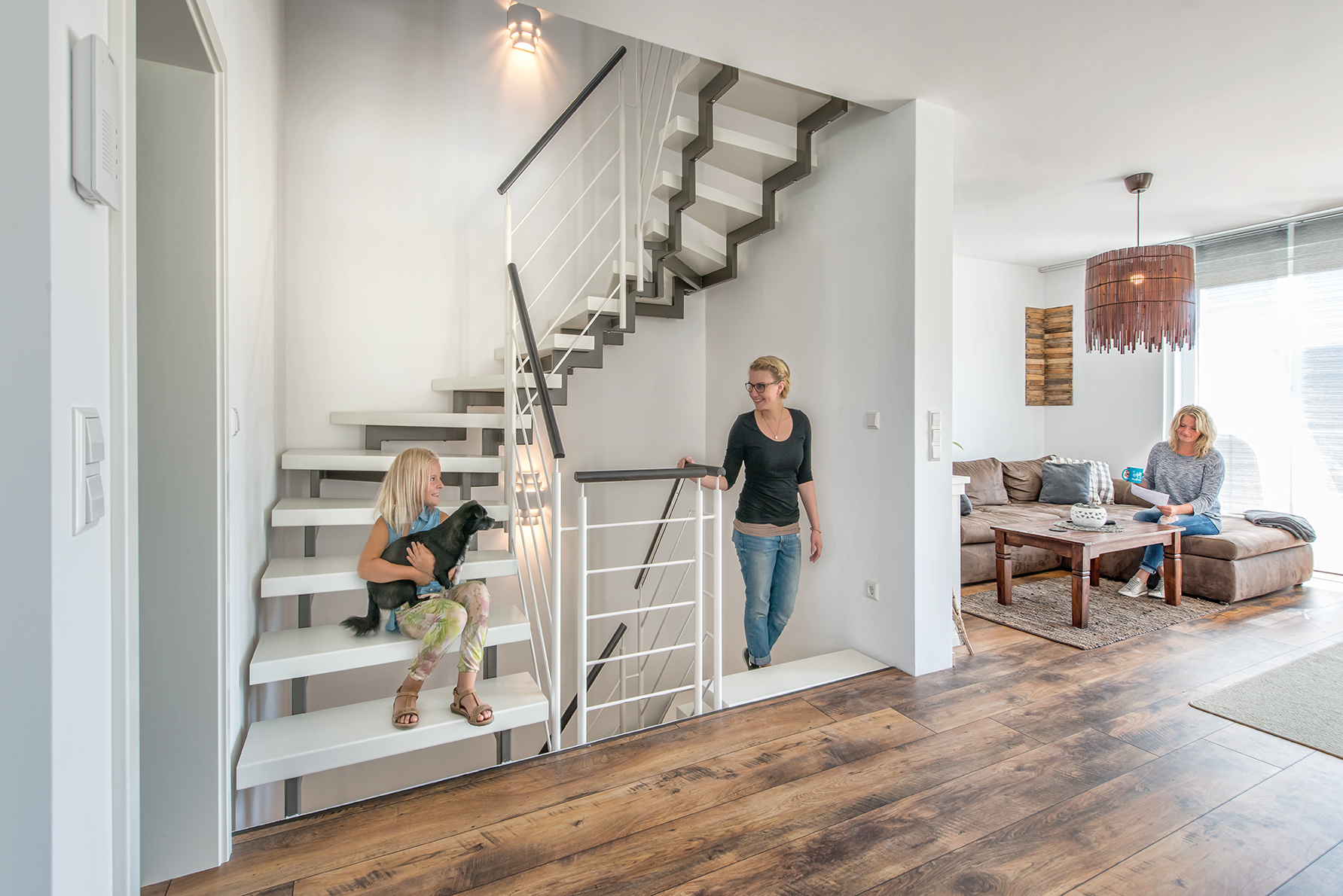Das rutschhemmende Stufenmaterial Longlife hat einen natürlichen Touch und ist in neun attraktiven Designs lieferbar.