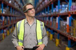 dynaEdge: Assisted Reality-Lösung von dynabook für die Logistik