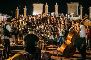 Konzert an der Trepponti © Ferrara Buskers Festival