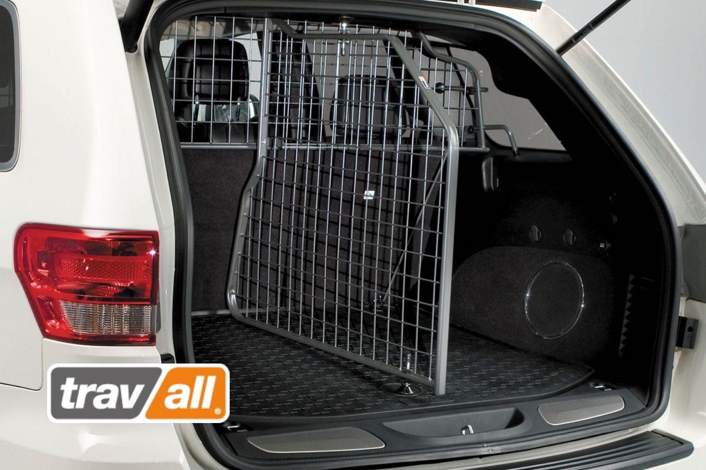 Der Travall Divider unterteilt ihr den Kofferraum in zwei separate Bereiche.© Travall