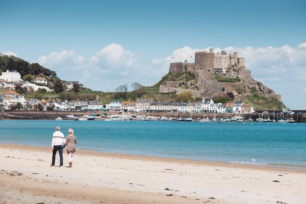 Soll noch mehr deutschsprachige Gäste anlocken: die Kanalinsel Jersey, hier Mont Orgueil Castle
