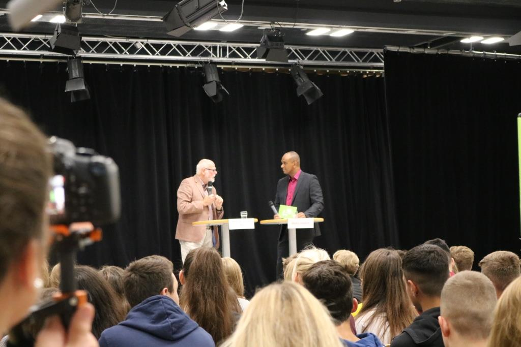 Martin Rietsch (r.) begrüßte Prof. Dr. Gunter Pilz zum Expertengespräch