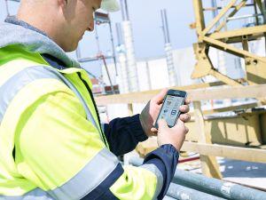 Anwender protokolliert den Baustellenfortschritt mit der 123erfasst-App  Quelle: 123erfasst.de GmbH, Lohne