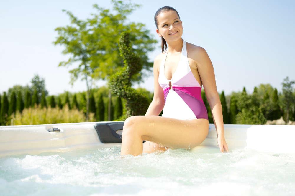 Der Sendener Whirlpool-Fachhandel SPA Deluxe vergleicht in einem Whirlpool-Test verschiedene Modelle.